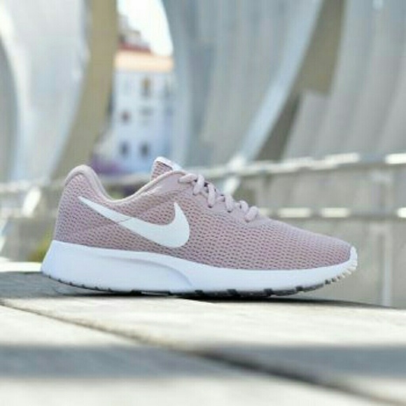 69c1711205fb Nike Rose Tanjun Shoes
